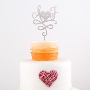 Cake Topper mit Initialien und Datum im Herz