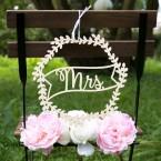 Mrs Blumenkranz aus Holz zur Hochzeit