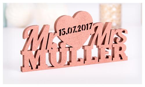Mr und Mrs mit Namen und Datum